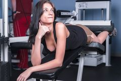Menina atrativa no fitness center Fotografia de Stock