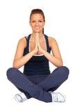 Menina atrativa que faz a ioga Imagens de Stock Royalty Free