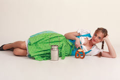 Menina bávara engraçada fotos de stock
