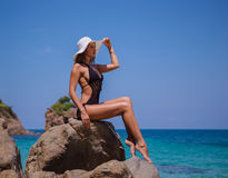 Menina beautyful nova na praia Fotografia de Stock Royalty Free