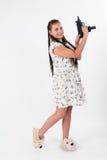 Menina bonita com apontar africano das tranças Fotografia de Stock