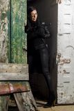 Menina bonita com arma Imagem de Stock
