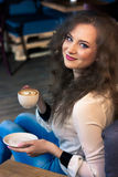 Menina bonita com café Imagem de Stock Royalty Free