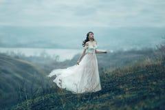 Menina bonita com composição e denominação fotos de stock