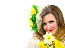 Menina bonita com flo amarelo imagem de stock royalty free