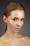 Menina bonita com pele brilhante imagens de stock royalty free