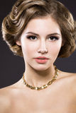 Menina bonita com pele perfeita Imagens de Stock Royalty Free