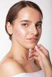 Menina bonita com pele sem falhas, composição do nude fotos de stock
