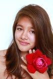 Menina bonita com sorriso de incandescência Imagens de Stock Royalty Free