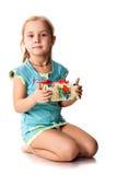 Menina bonita com um presente fotos de stock royalty free