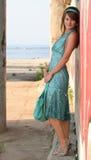 Menina bonita com uma bolsa Imagens de Stock Royalty Free