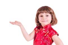 Menina bonita com a uma mão outstretched Imagens de Stock