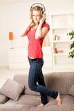 Menina bonita do adolescente com cabelo louro Fotografia de Stock