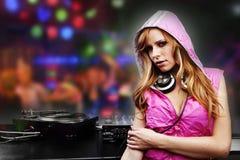 Menina bonita do DJ Fotografia de Stock Royalty Free