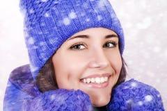 Menina bonita do inverno fotografia de stock