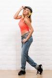Menina bonita do moderno que levanta no estúdio da foto Imagem de Stock Royalty Free
