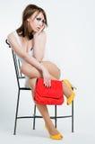 Menina bonita do pino-acima com saco vermelho imagens de stock royalty free