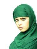 Menina bonita em um cabo de linho verde Fotos de Stock Royalty Free