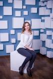 Menina bonita em um interior incomum Fotografia de Stock Royalty Free