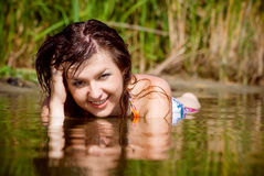 Menina bonita na água Fotos de Stock