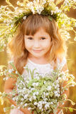 Menina bonita na grinalda imagens de stock royalty free