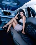 Menina bonita na limusina Fotos de Stock Royalty Free