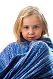 Menina bonita no cobertor azul Imagens de Stock Royalty Free