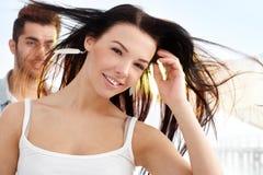 Menina bonita no sorriso do verão Fotografia de Stock