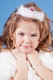 Menina bonita no vestido branco fotos de stock royalty free
