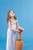 Menina bonita no vestido da deusa Imagens de Stock