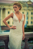 Menina bonita no vestido de casamento Imagem de Stock