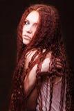 Menina bonita nova com cabelo longo Imagens de Stock