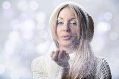 Menina bonita nova com mitten branco Foto de Stock
