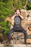 Menina bonita que faz a dança shamanic na natureza Imagem de Stock Royalty Free