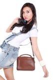 Menina bonita que levanta modelos impares Imagem de Stock