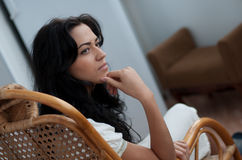 Menina bonita que relaxa Imagens de Stock