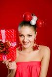Menina bonita que smilling com decorações Imagem de Stock Royalty Free