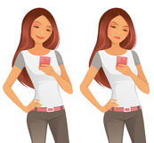 Menina bonita que usa o telefone celular Fotos de Stock Royalty Free