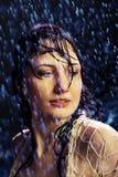 Menina bonita sob uma chuva Imagens de Stock Royalty Free