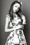 Menina bonito adolescente com o cabelo longo que levanta o retrato da natureza do estúdio Rebecca 36 Fotos de Stock