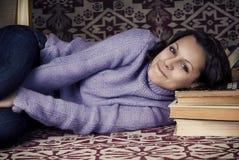Menina bonito com livros Imagem de Stock Royalty Free
