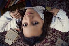 Menina bonito com livros Fotografia de Stock