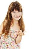 Menina bonito da juventude que aponta em você com seu indicador imagem de stock