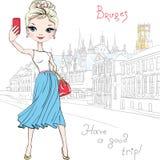 A menina bonito do moderno faz o selfie em Bruges, Bélgica ilustração do vetor