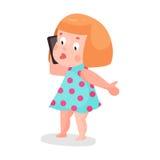 Menina bonito dos desenhos animados dentro em uma luz - vestido azul que joga com ilustração colorida do caráter do smartphone ilustração do vetor