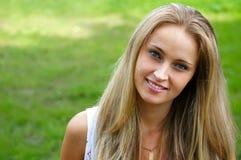 Menina bonito na natureza Imagens de Stock