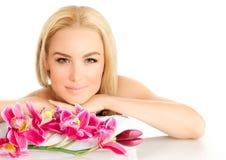 Menina bonito no salão de beleza dos termas Fotografia de Stock Royalty Free