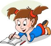A menina bonito pequena leu o livro Foto de Stock Royalty Free