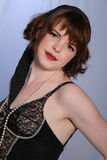 Menina burlesque retro bonito na roupa interior Imagens de Stock Royalty Free