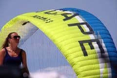 Menina, céu, paraquedas Imagem de Stock Royalty Free
